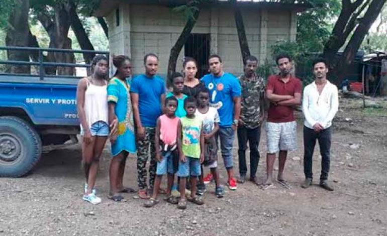 Detienen a migrantes cubanos y de Angola en Honduras
