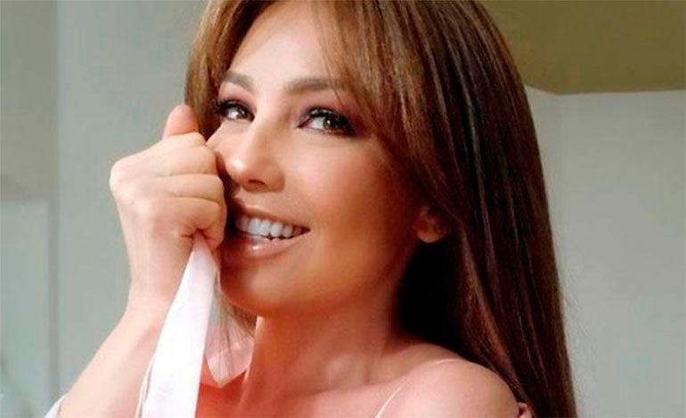 Thalía sube foto que no la favorece y le llueven las críticas