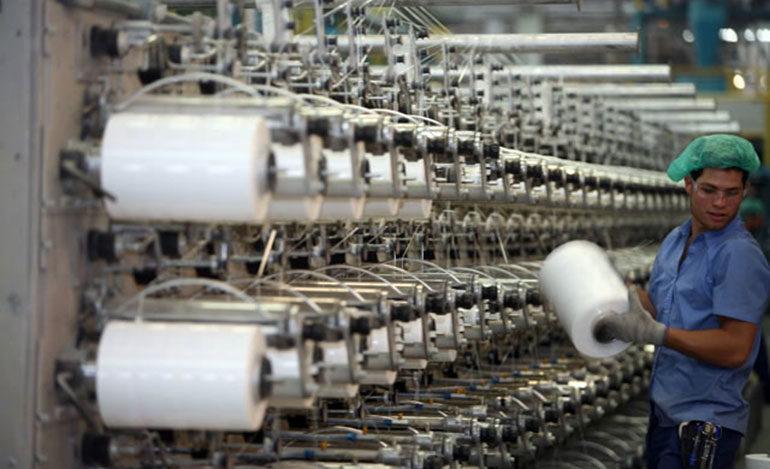 Precios del plástico impulsa a industriales