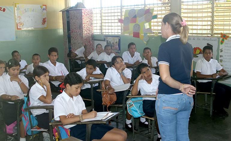 Educación suspende clases de colegios y escuelas