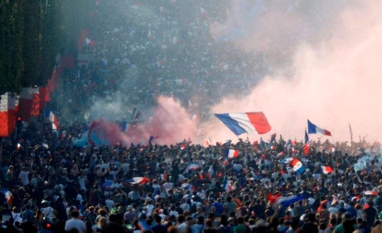 Locura en París: así se vivió la consagración de Francia en el Mundial de Rusia 2018