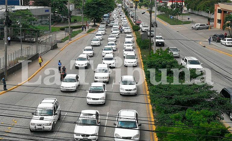 Transportistas piden reunirse con el presidente Hernández