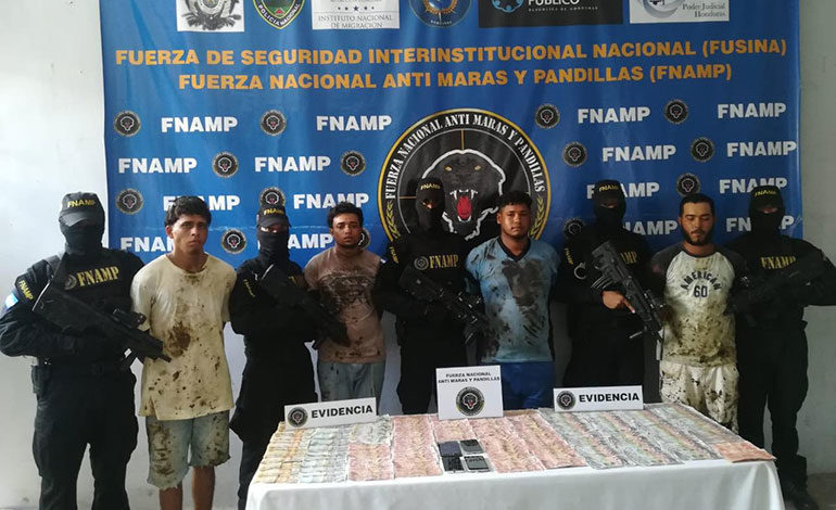 Detienen a cuatro pandilleros en Puerto Cortés