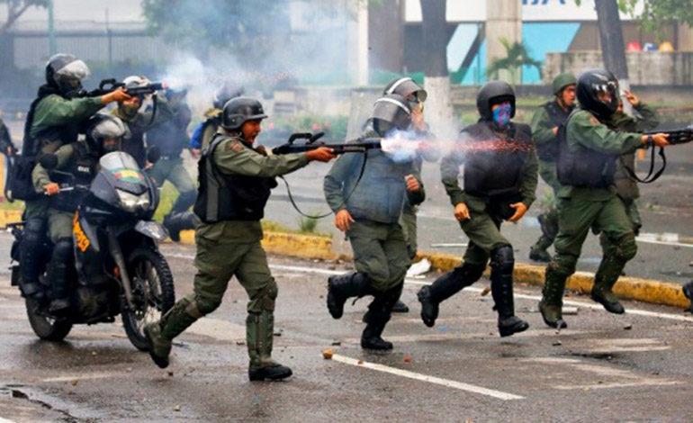 Acusan a Maduro de ejecuciones extrajudiciales