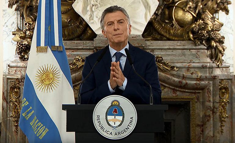 Una misión del FMI aprueba la tercera revisión del plan de Argentina