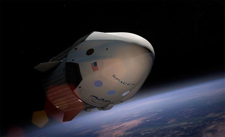 SpaceX llevará al espacio al primer turista que volará alrededor de la Luna