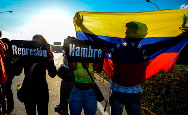 """Exasesor de Trump defiende """"intervención militar"""" como opción en Venezuela"""