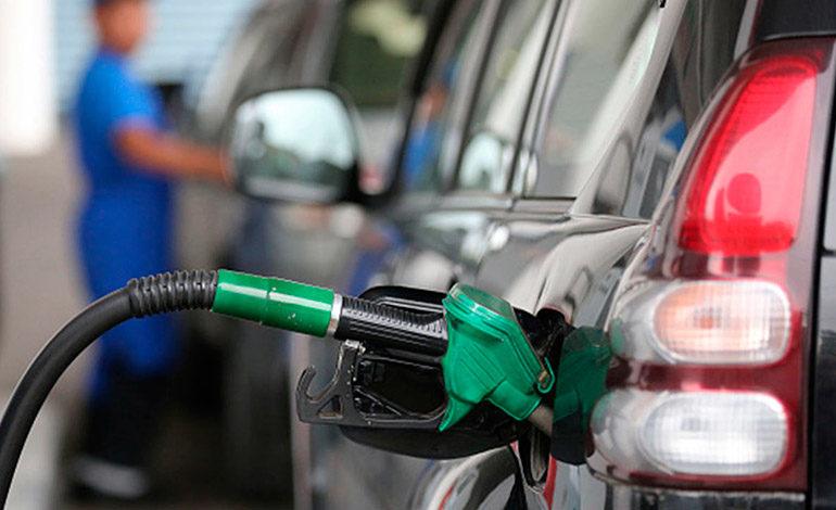 Precio de petróleo cae 3.02%