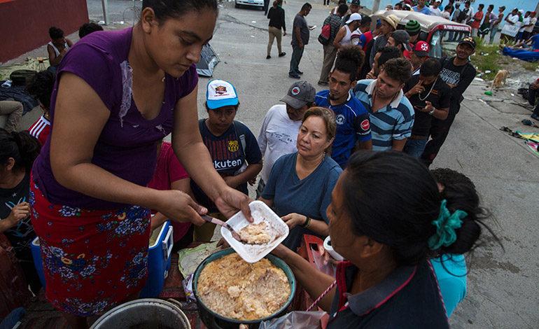 Primera caravana de hondureños se reagrupa en Tapanatepec, México