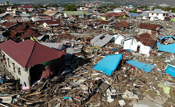 Elevan a 1,407 el número de muertos por seísmo y tsunami en Indonesia
