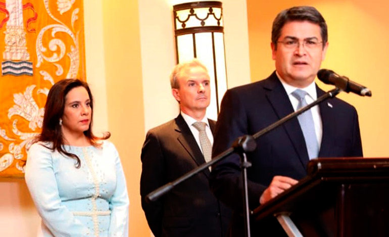 """Presidente Hernández: """"Seguiremos apoyando un diálogo político franco y transparente"""""""