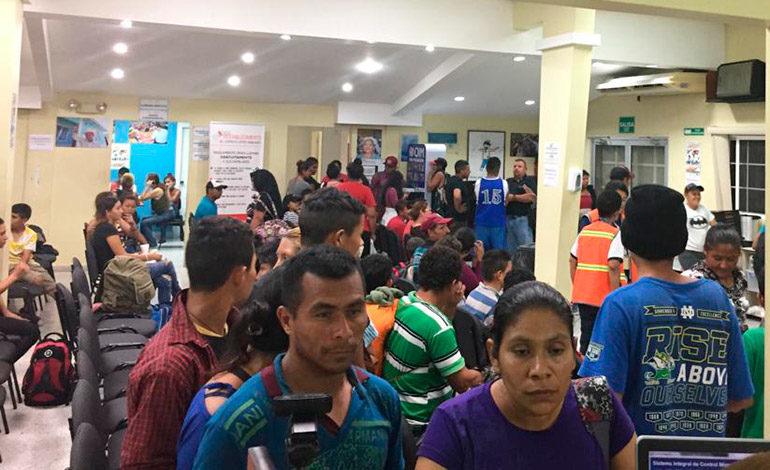 Retornan 150 hondureños más que viajaban en caravana