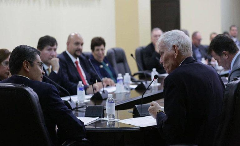 Presidente Hernández se reúne con investigador de la Universidad de Oxford Inglaterra