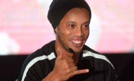 """Barça """"observará con atención"""" el apoyo de Ronaldinho a Bolsonaro"""