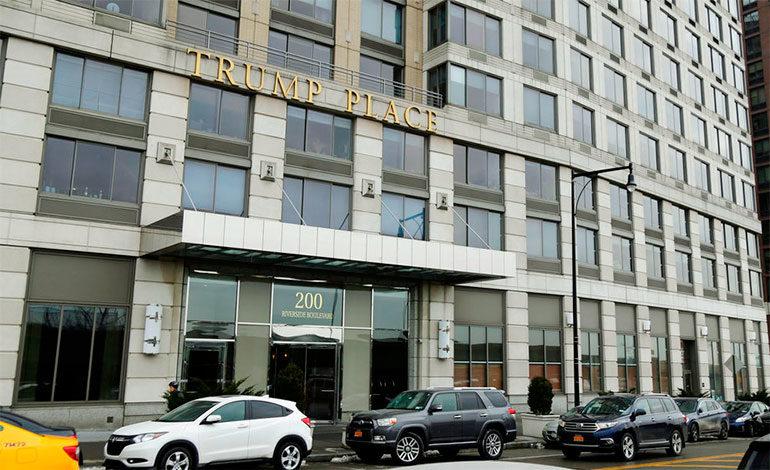 Otro edificio de Manhattan quita cartel de Trump