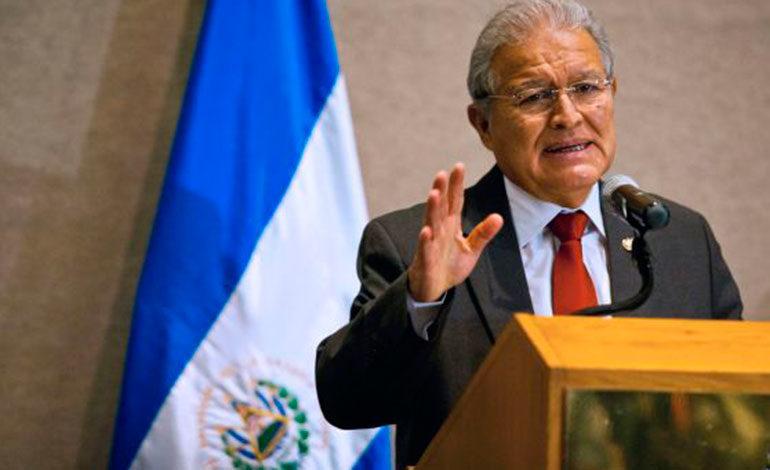 El Salvador pide a sus ciudadanos evitar migrar en caravana a Estados Unidos