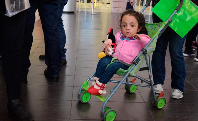 Niña hondureña viaja a México para ser atendida por Osteogénesis Imperfecta