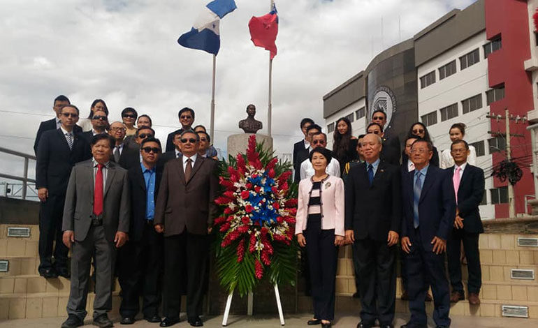 Comunidad China y misión diplomática de Taiwán festejan el 107 aniversario de fundación de la República de China-Taiwán
