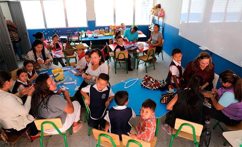 Estudiantes de Escuela Pedro Nufio tienen 4 modernas aulas para recibir clases