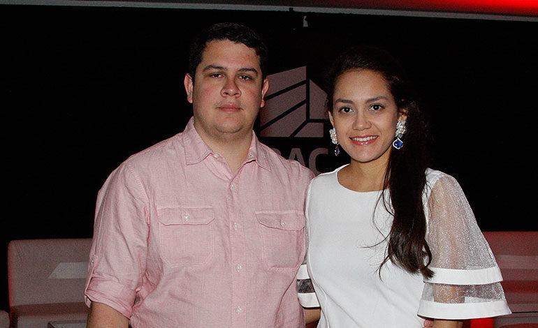 Juan Hernández y Natalie Reyes.