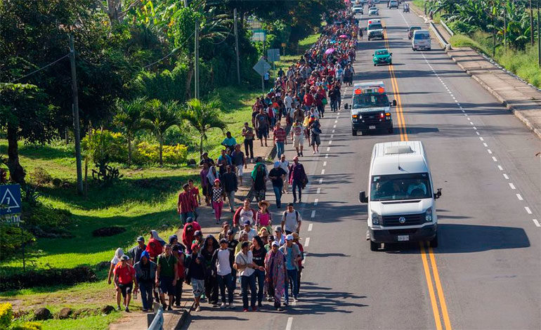 Una segunda caravana de salvadoreños migrantes sale con rumbo a EE.UU.