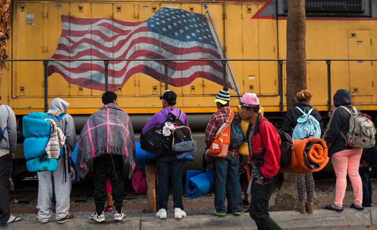 """Nielsen critica que tribunales reemplacen """"el criterio"""" de Trump en migración"""