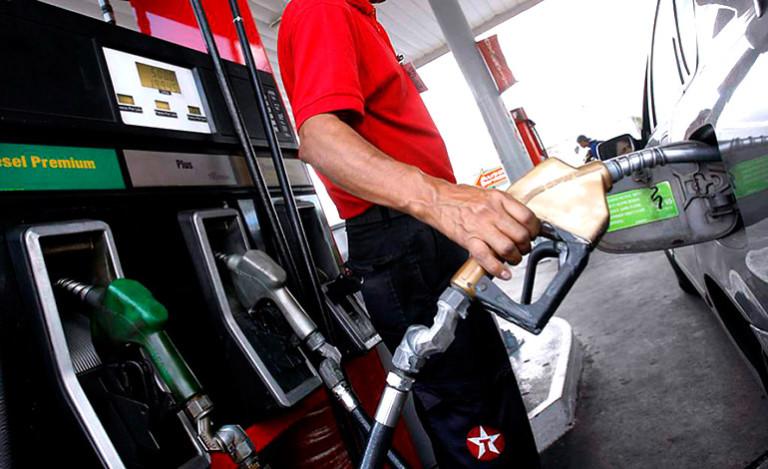 Gasolina superior baja L2.08 y L1.32 en el caso del diésel