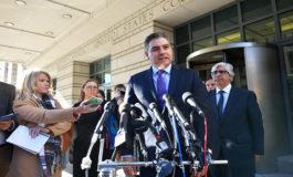 Juez federal ordena a la Casa Blanca devolver pase a periodista de CNN