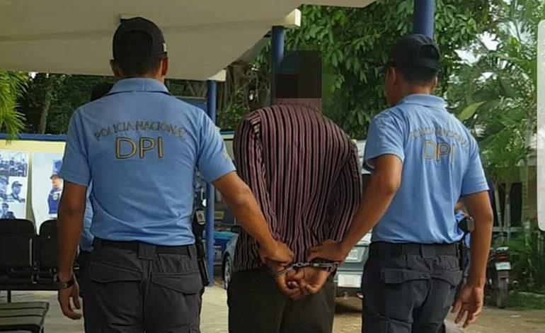Capturan a hombre por la violación de su hija de diez años