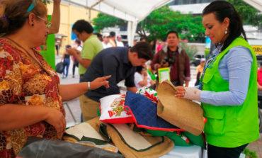 Promueven feria de emprendedores en sector discapacidad de la capital