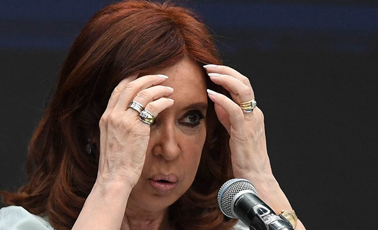Expresidenta argentina Kirchner también será juzgada por lavado de dinero