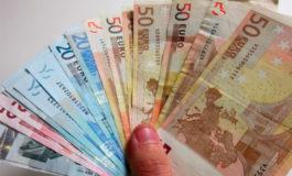 El euro sube ante el dólar tras datos chinos alentadores