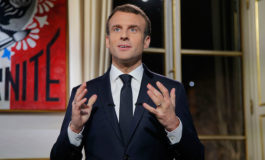 """Macron quiere reconstruir Notre Dame """"en cinco años"""" tras pavoroso incendio"""