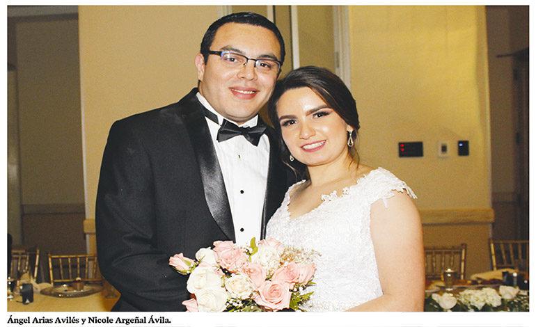 Ángel Arias y Nicole Argeñal se casan por la Iglesia