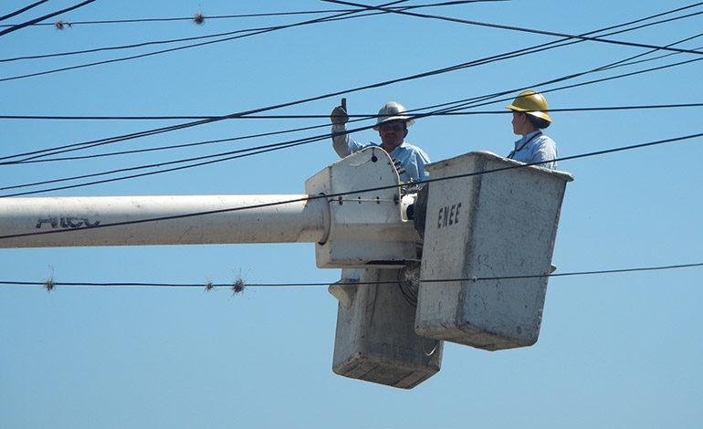 ENEE realiza mejoras en red de alta tensión