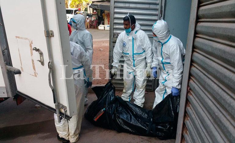 Realizan inhumación de 42 cuerpos sin reclamar; 19 son fetos