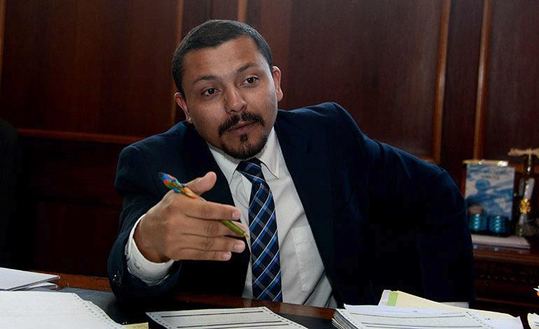 Aceptan renuncia del director de la OABI