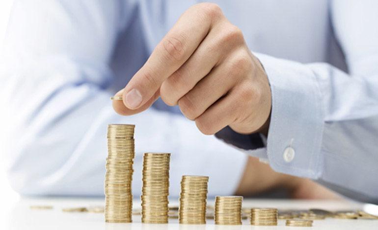 Excesivos trámites y falta de leyes complican la inversión