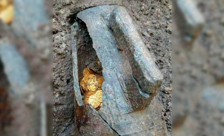 Hallan botija con 900 monedas de oro