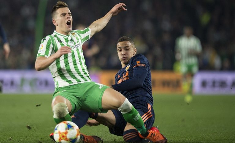 Valencia y Betis buscan la final con la balanza inclinada para los locales