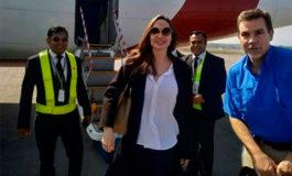 Angelina Jolie visita un campo de refugiados rohinyás en Bangladesh