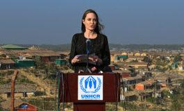 """Angelina Jolie pide """"compromiso"""" a Birmania durante visita a campos rohinyás"""