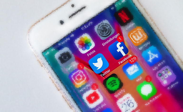 La UE critica insuficientes acciones de Twitter y Facebook contra la desinformación