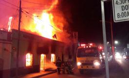 Voraz incendio consume dos negocios en Siguatepeque