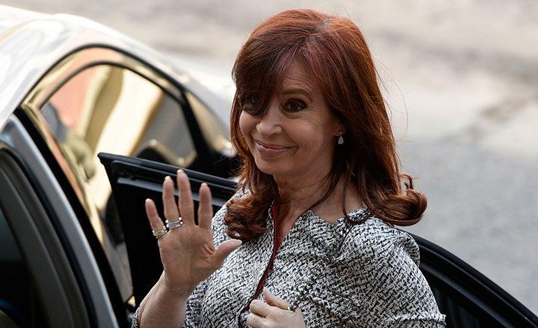 """Expresidenta argentina Kirchner indagada por tercera vez por """"cuadernos de corrupción"""""""
