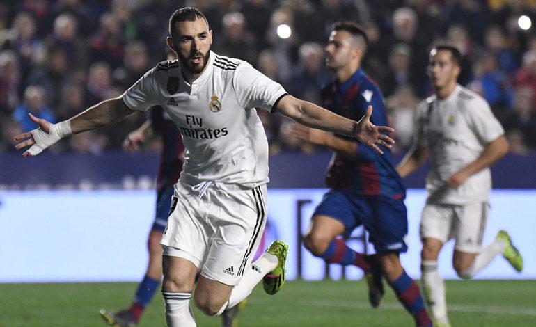 Dos penaltis con VAR dan a victoria al Real Madrid sobre el Levante