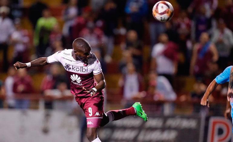 Rubilio Castillo anota su primer gol con el Saprissa