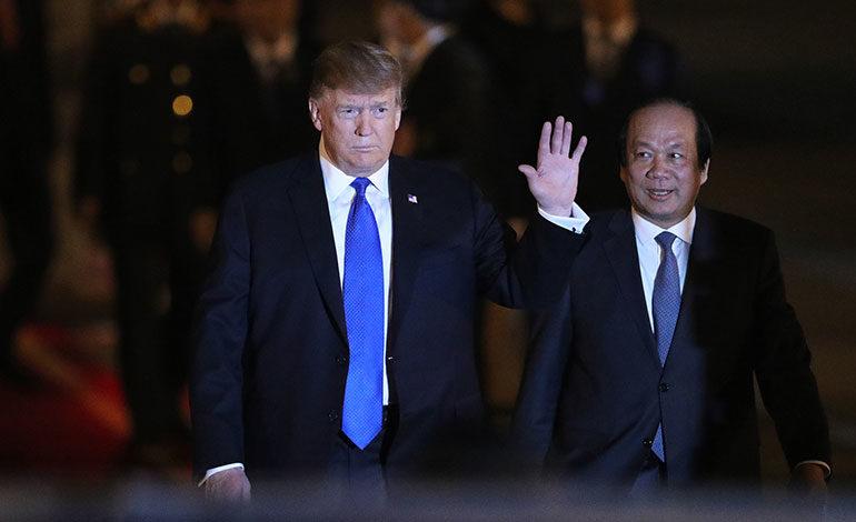 Trump llega a Hanoi para su segunda cumbre con Kim Jong-un