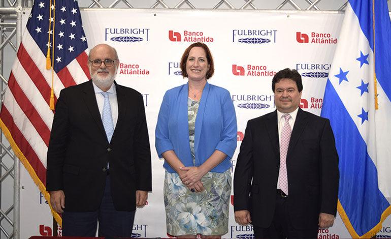 Nueva convocatoria para las becas Fulbright – Banco Atlántida 2019