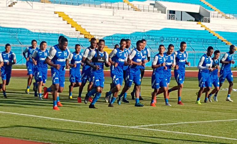 Selección Nacional se estrena bajo el mando de Fabián Coito